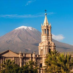 Arequipa-shutterstock_192977669Large.jpg