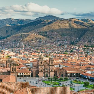 Cuzco-shutterstock_182830091Large.jpg