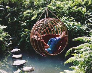 relaxen-in-hangstoel.jpg