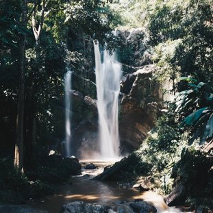 paimorkfawaterfallthailand.jpg
