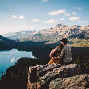 LakePeytoCoupleCanada.jpg